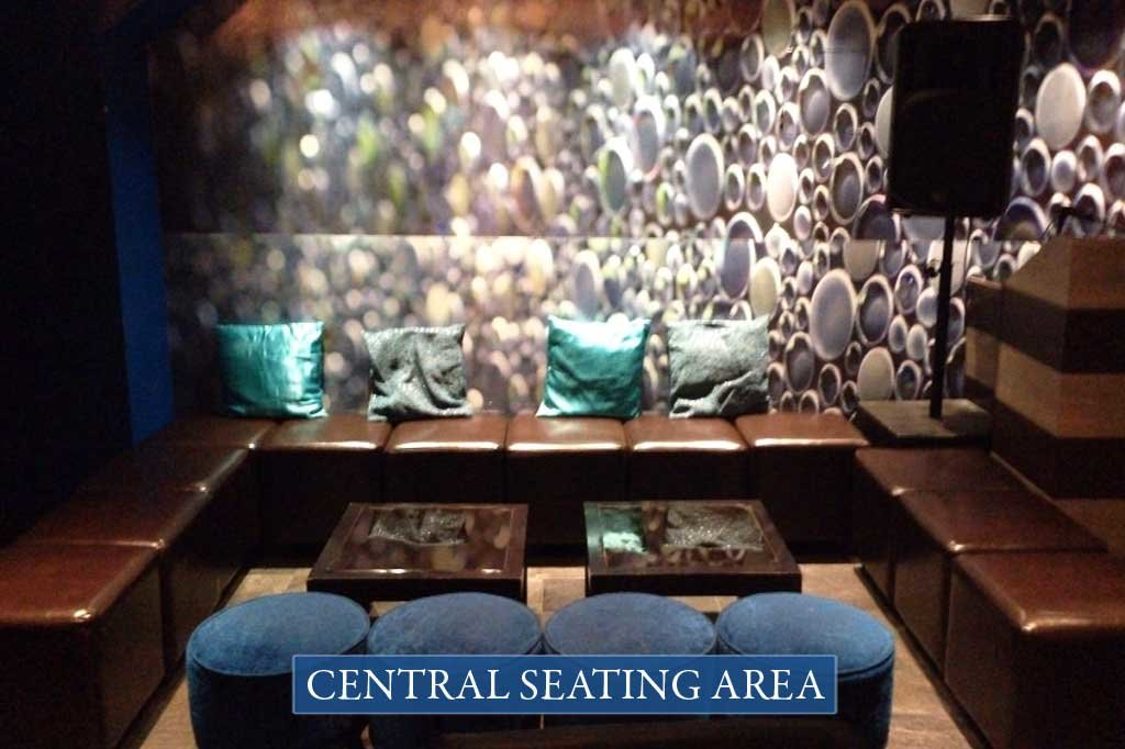 zenna-cocktail-bar-centralseating-area